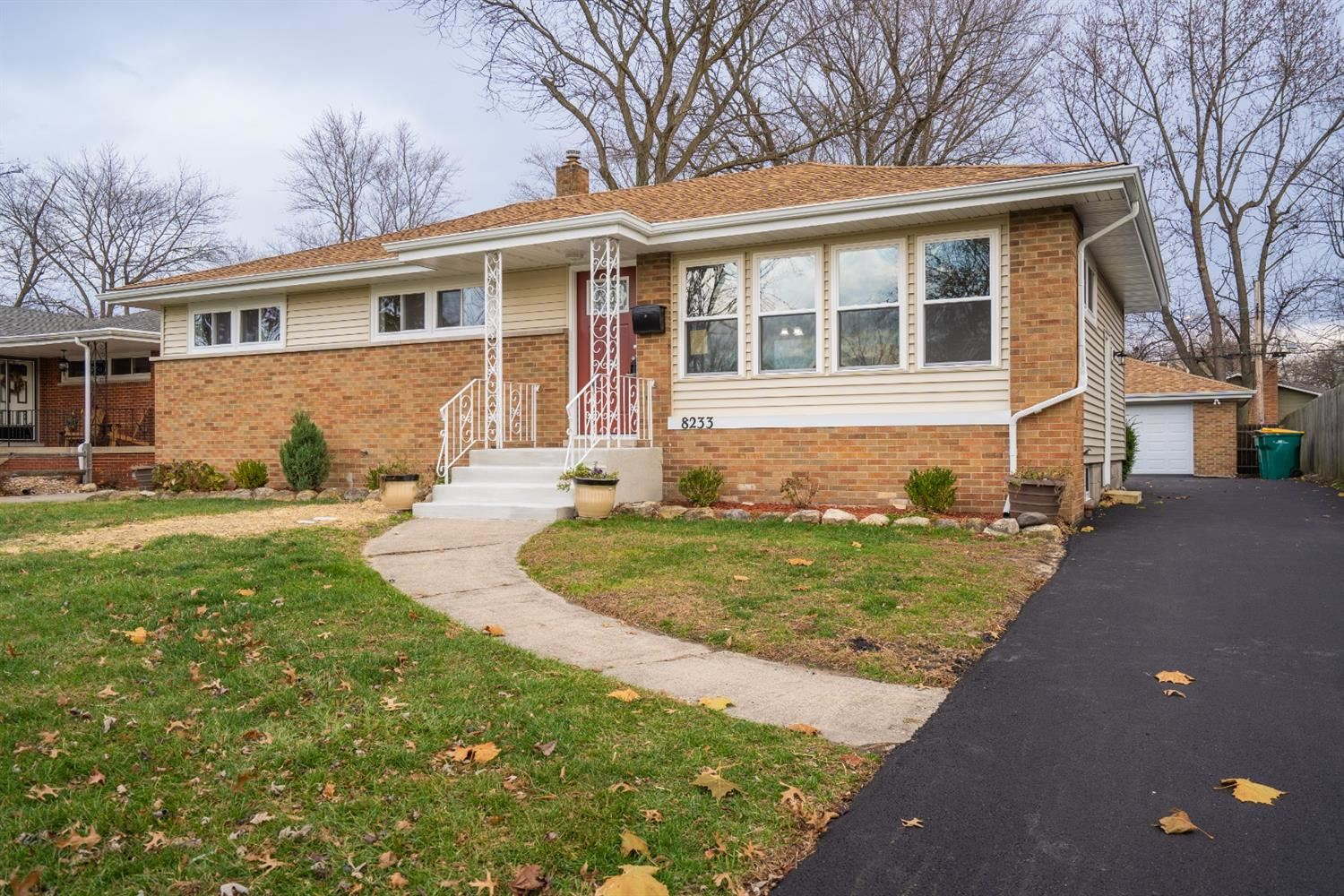 8233 Kooy Drive, Munster, IN 46321 - #: 485009