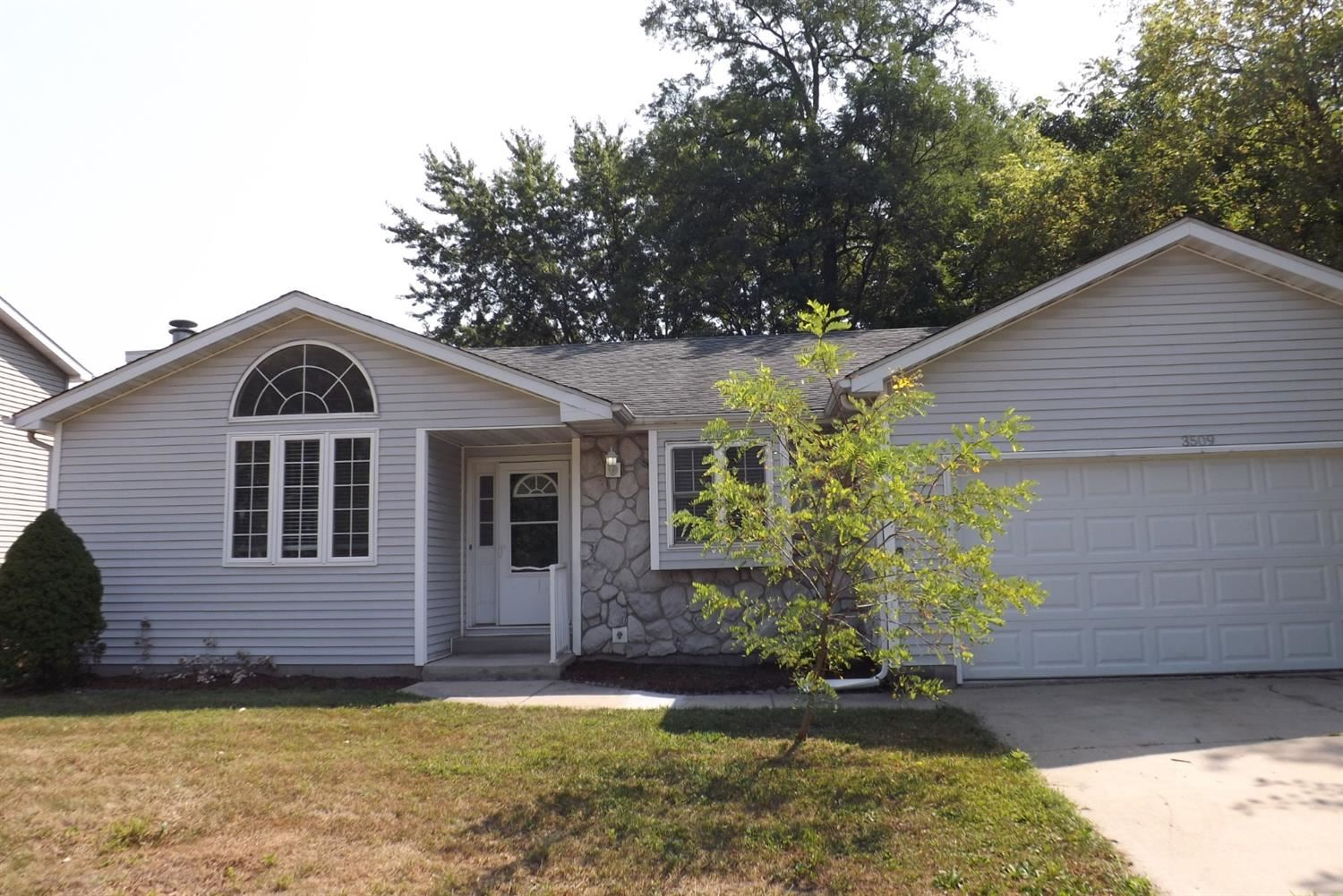 3509 Indiana Street, New Chicago, IN 46342 - #: 476040