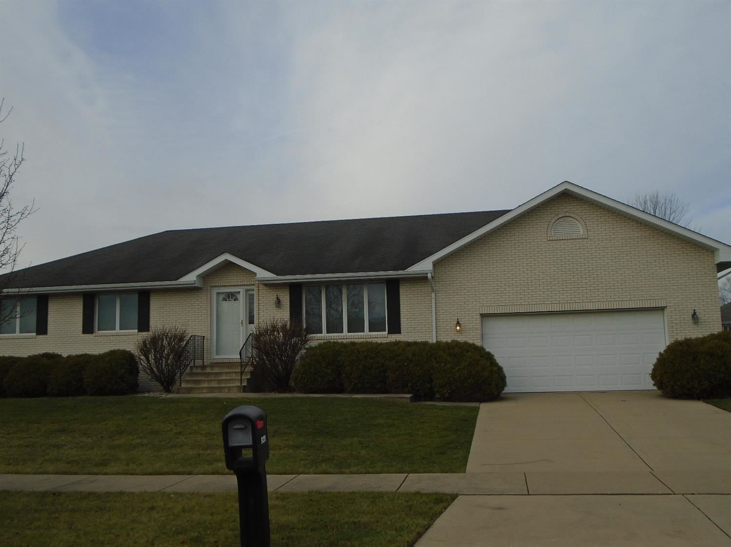 9238 Calumet Avenue, Saint John, IN 46373 - #: 485273