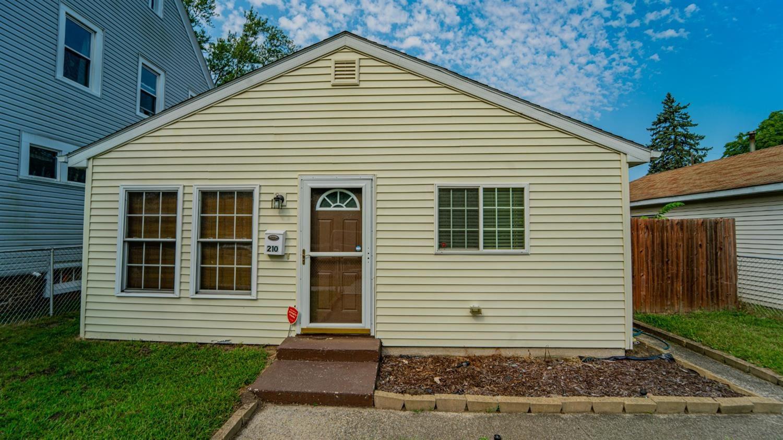 210 Pleasant Avenue, Michigan City, IN 46360 - #: 480297