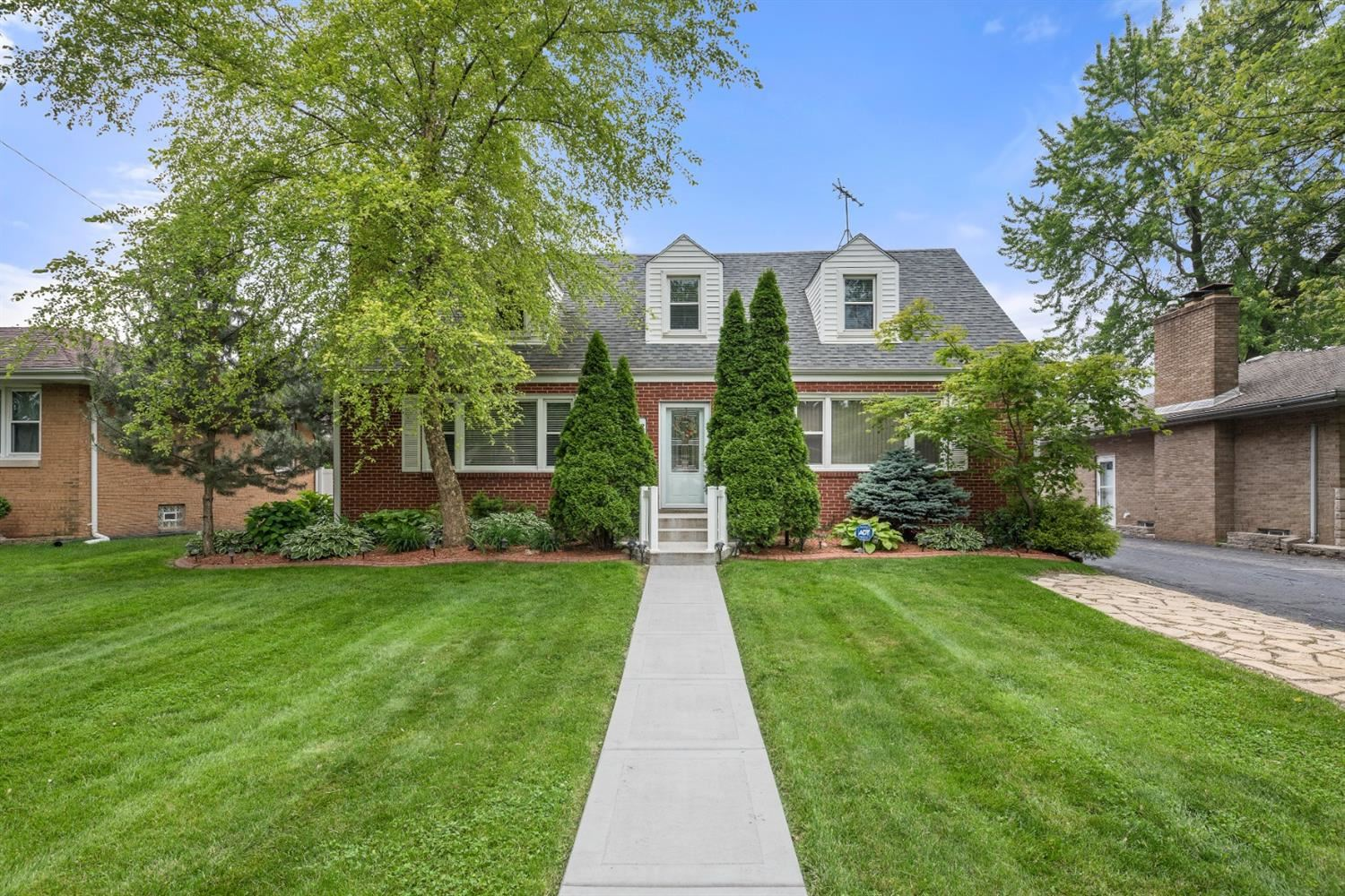 8216 Northcote Avenue, Munster, IN 46321 - #: 484677
