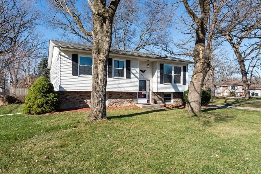 424 Wildrose Drive, Hobart, IN 46342 - #: 484848