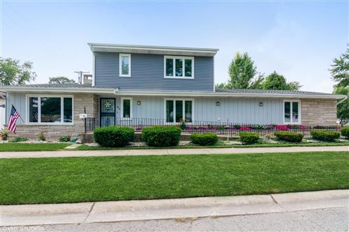 Photo of 9812 Delaware Place, Highland, IN 46322 (MLS # 497999)