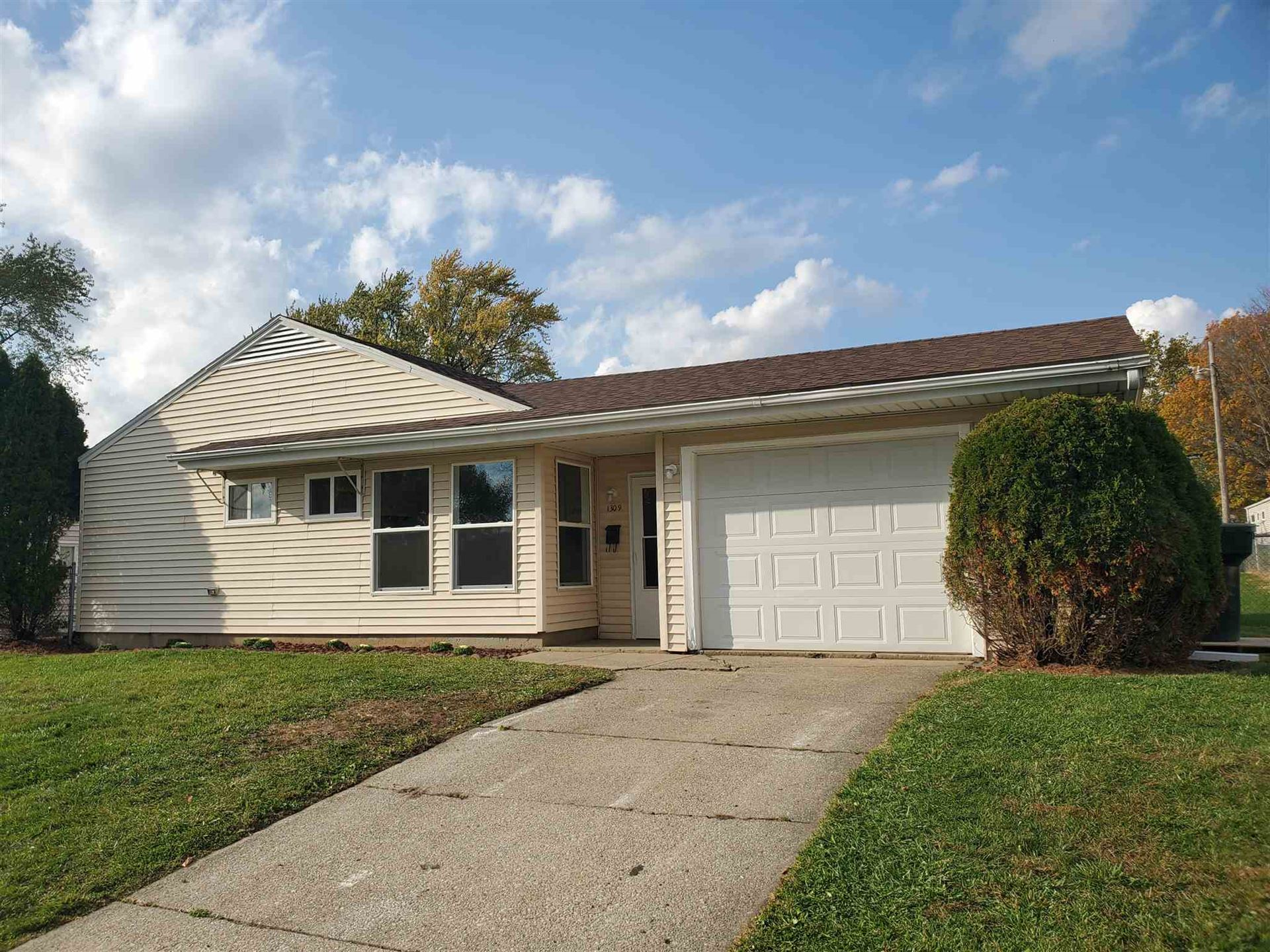 1309 Catherwood Drive, South Bend, IN 46614 - #: 202043004