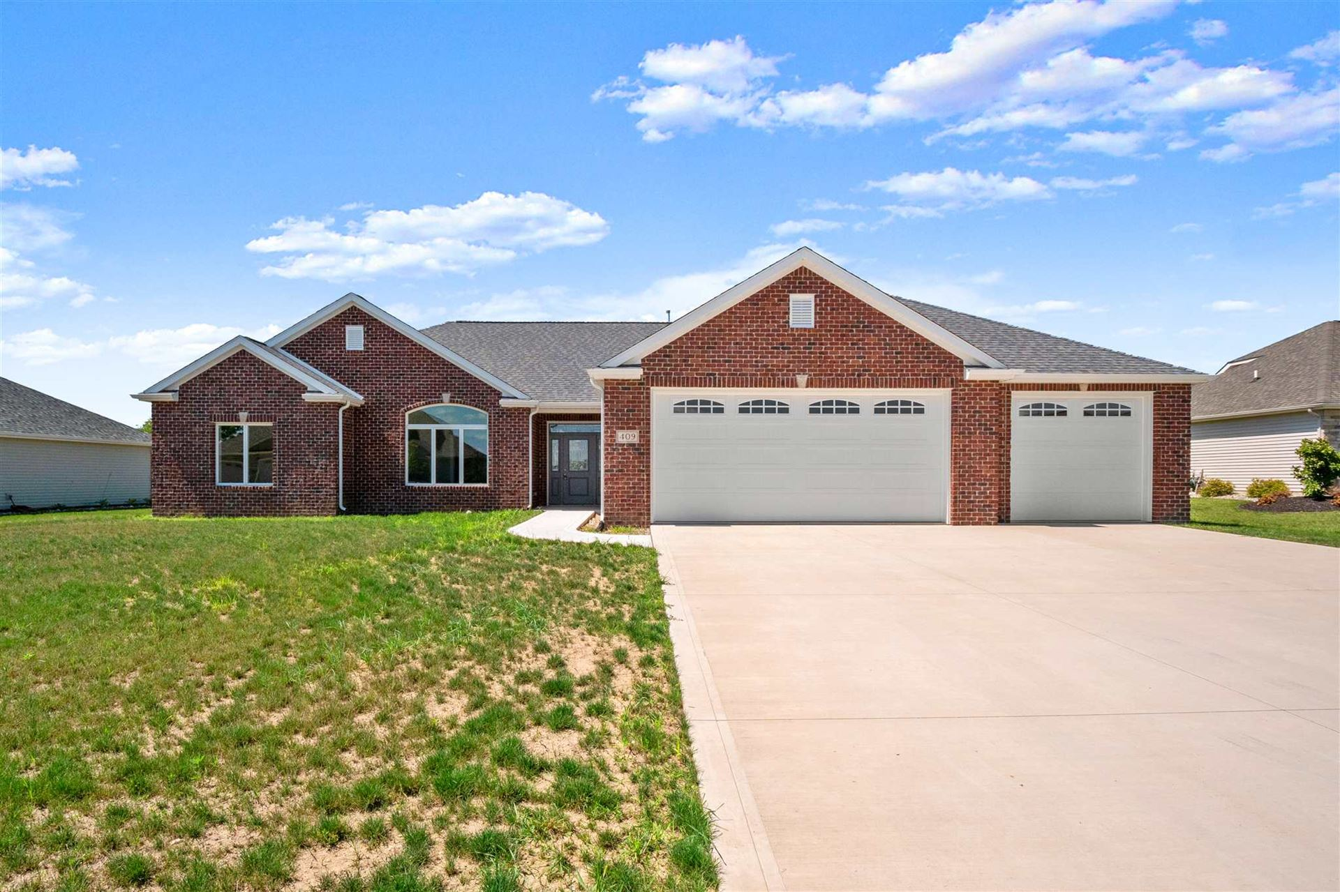 409 THOROUGHBRED Lane, Auburn, IN 46706 - #: 202033008