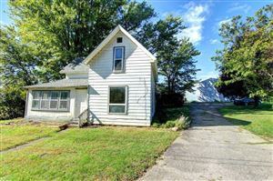 Photo of 72821 County Road 29, Syracuse, IN 46567 (MLS # 201944012)