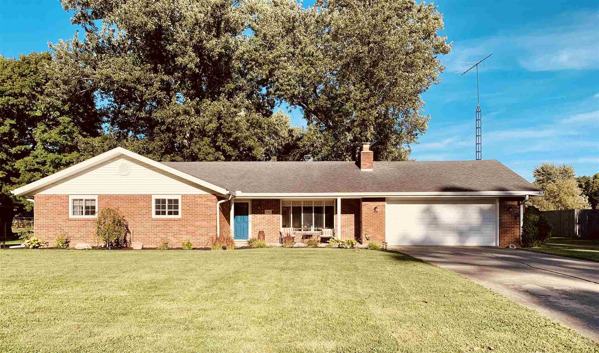204 N Bayberry Lane, Muncie, IN 47304 - #: 202036013