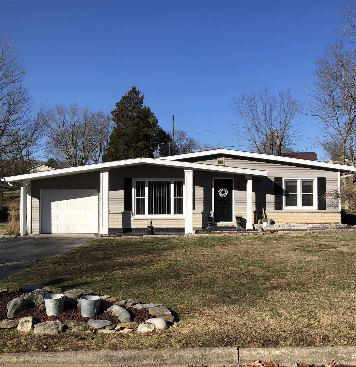 327 Eastwood Drive, Bedford, IN 47421 - #: 202000036
