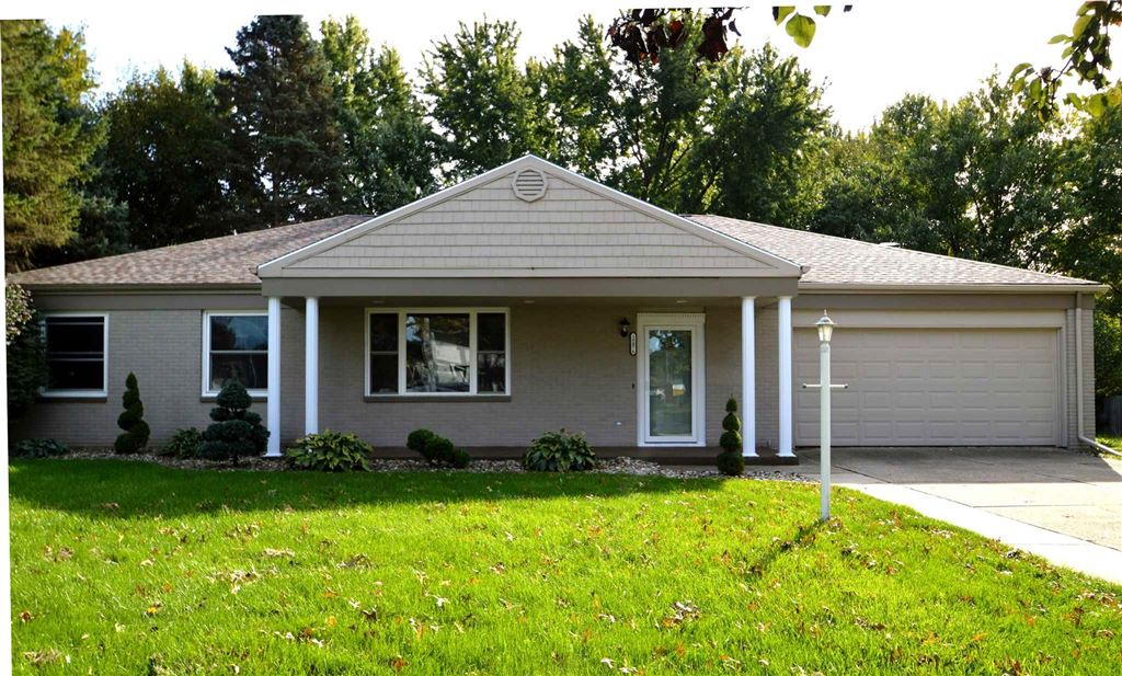 18076 Heatherfield Drive, South Bend, IN 46637 - #: 201946039