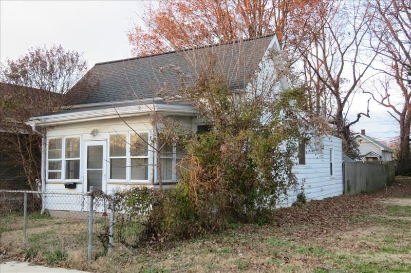 1306 E SYCAMORE Street, Evansville, IN 47714 - #: 202105058