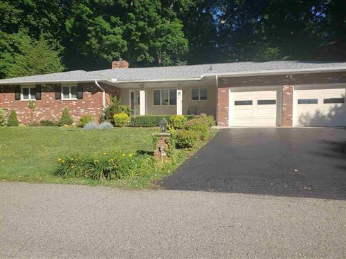 Photo of 6 Golfview Drive, Logansport, IN 46947 (MLS # 202124063)