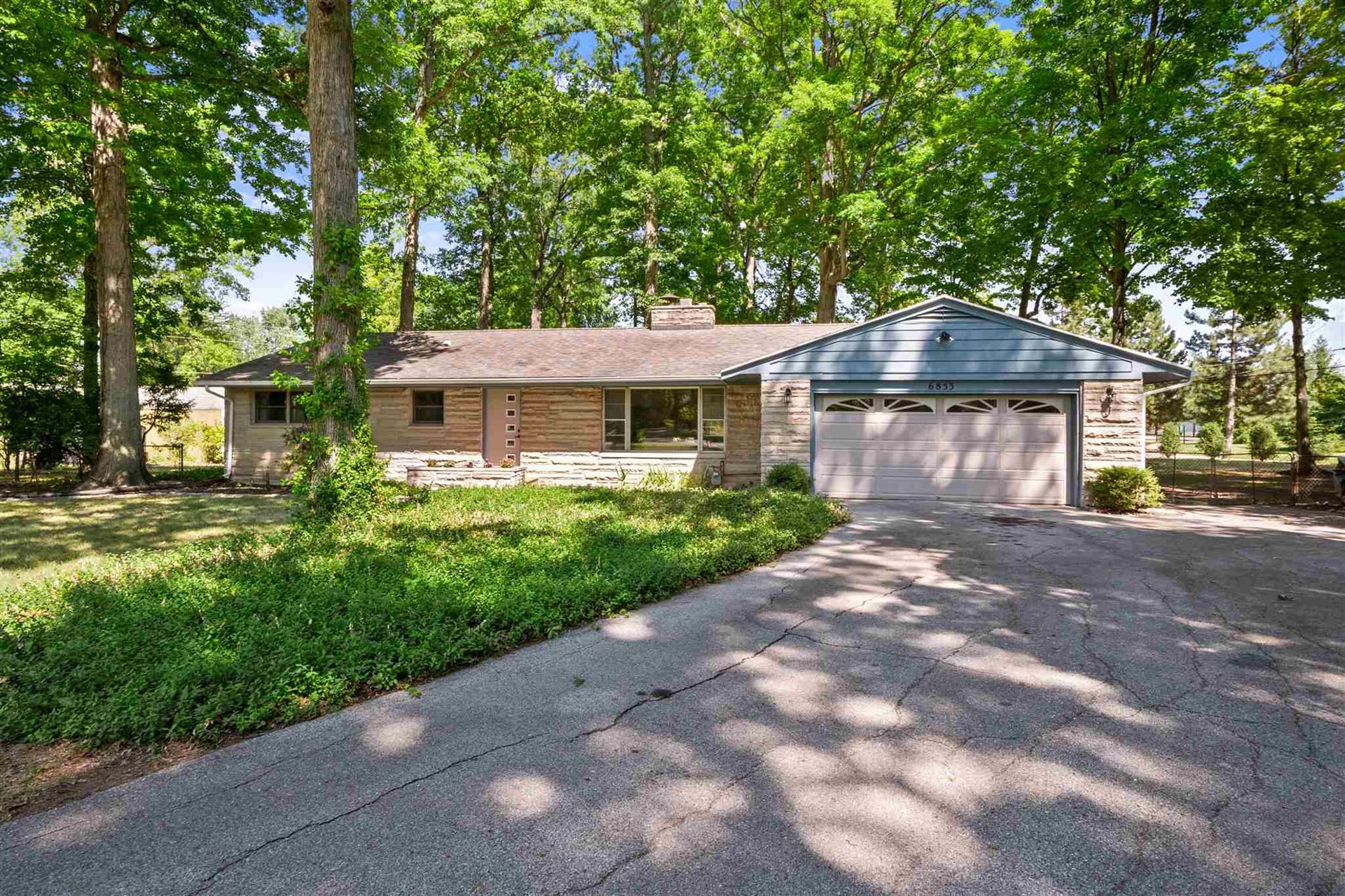 6853 WOODCREST Drive, Fort Wayne, IN 46815 - #: 202035071