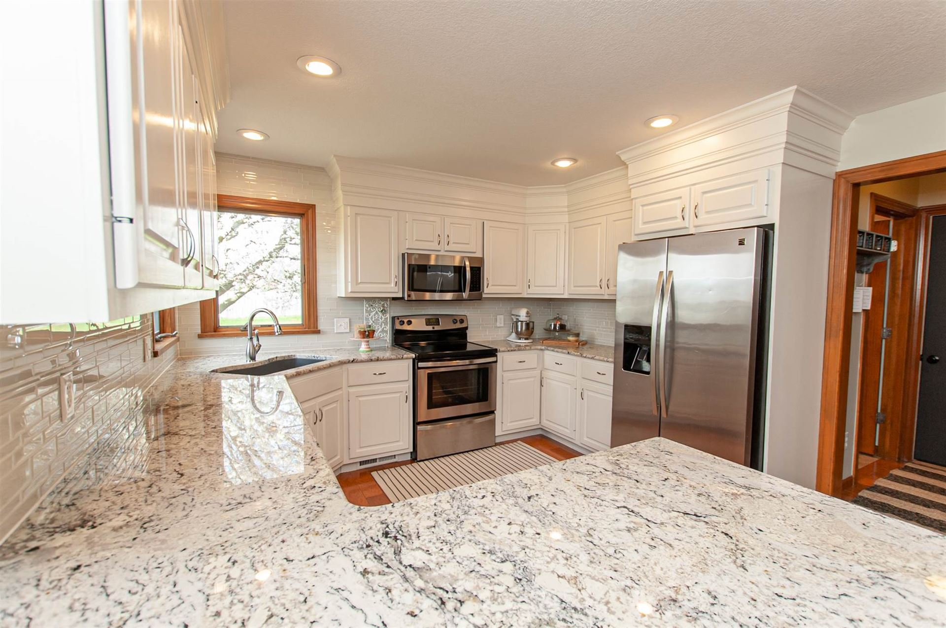 13111 Perry Lake Court Fort Wayne In 46845 Mls 202015075 Listing Information Bhhs Indiana