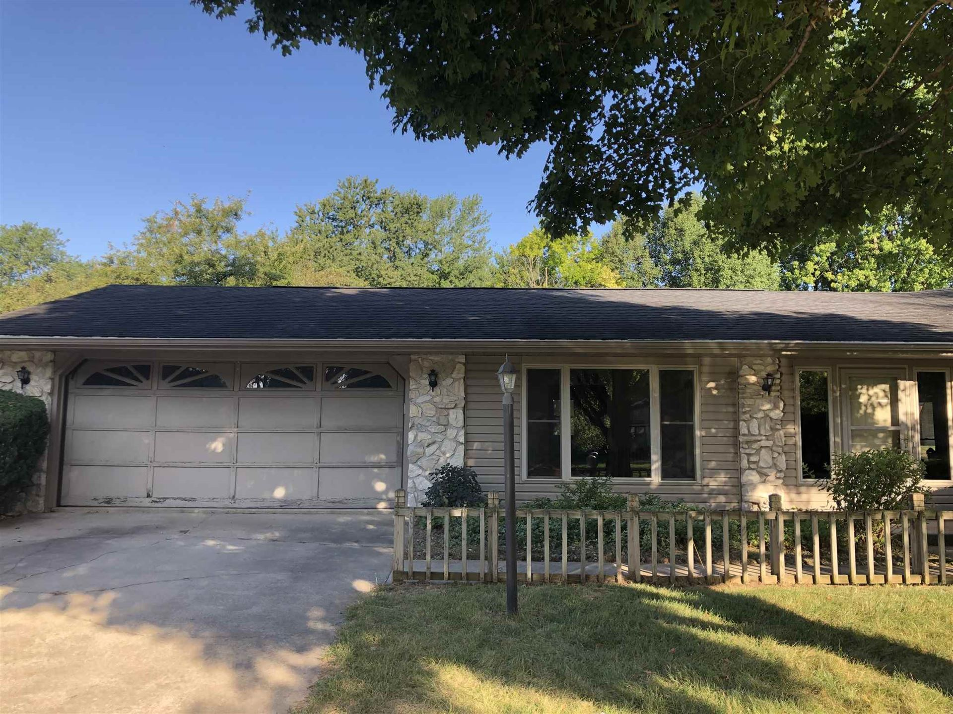 308 River Cove Lane, North Manchester, IN 46962 - #: 202036081