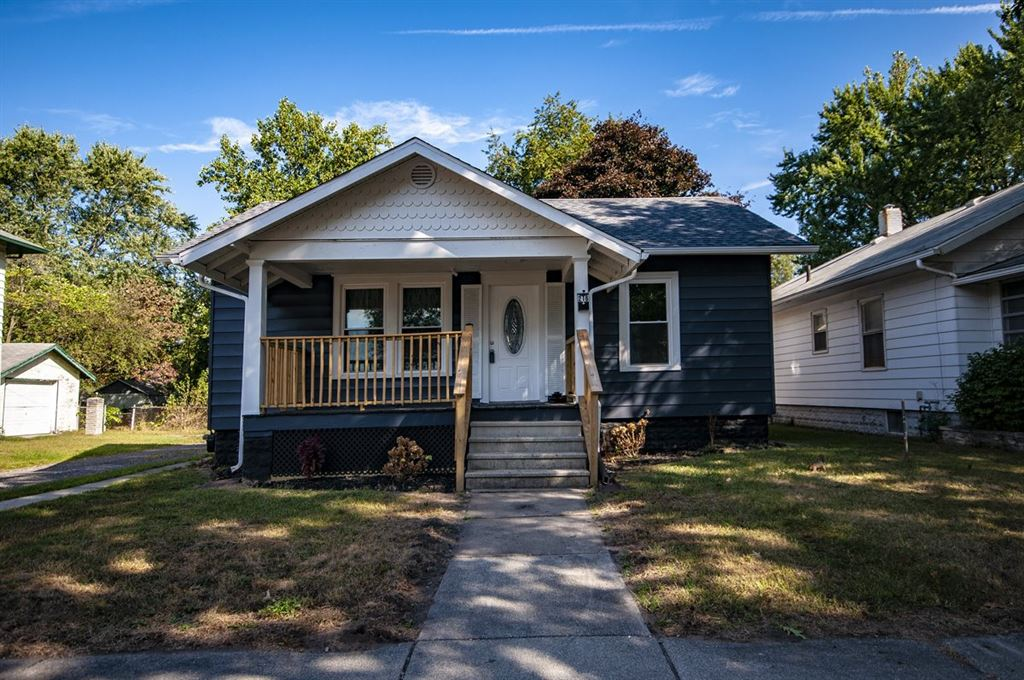 216 W Cleveland, Elkhart, IN 46516 - #: 201942108