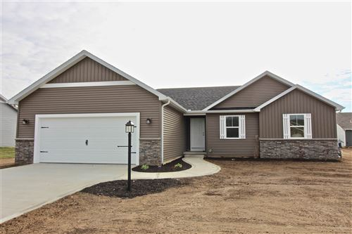 Photo of 4361 E Duffy Drive, Syracuse, IN 46567 (MLS # 201933114)