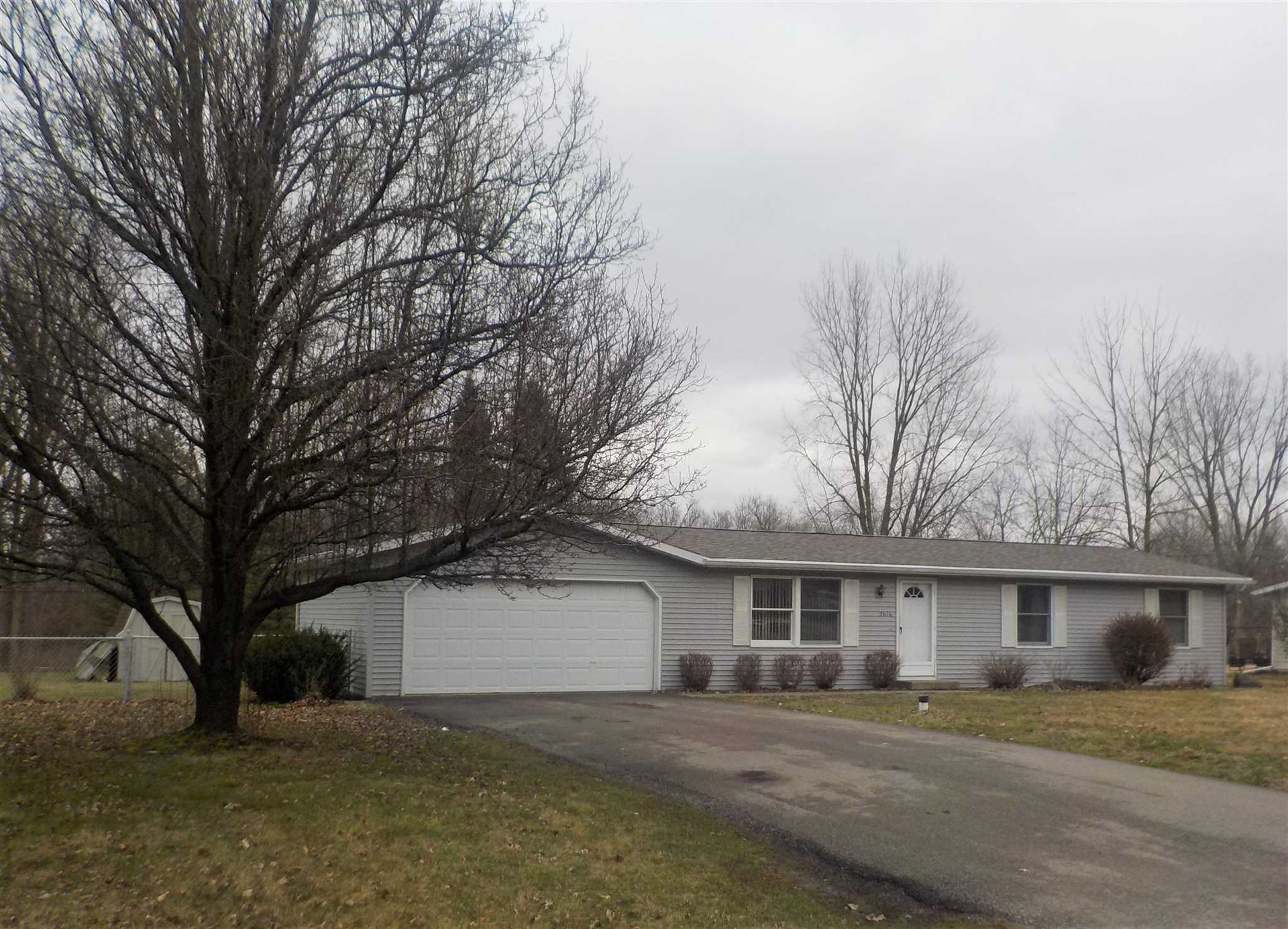 Photo of 2616 E Robby Drive, Warsaw, IN 46580 (MLS # 202010116)