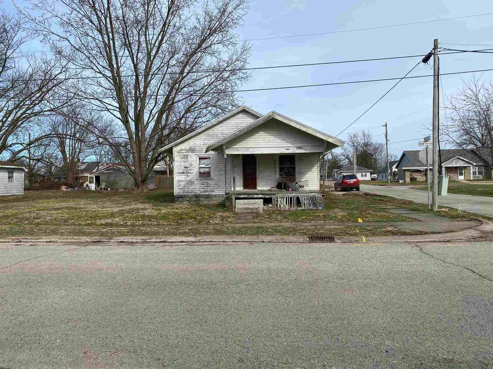 517 S New Jersey Street, Bicknell, IN 47512 - #: 202008118