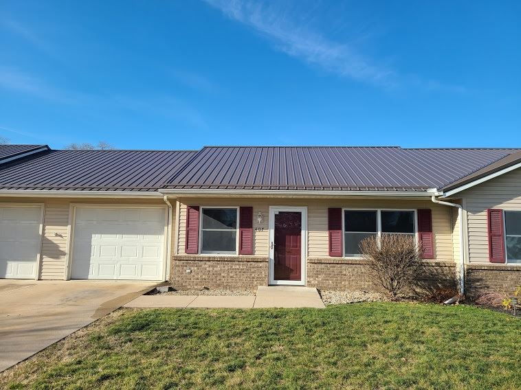 407 S Harkless Drive, Syracuse, IN 46567 - #: 202045120