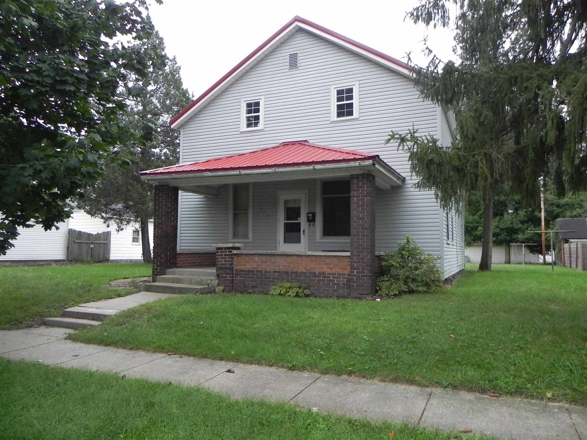 Photo of 305 W 3rd Street, North Manchester, IN 46962 (MLS # 202007136)