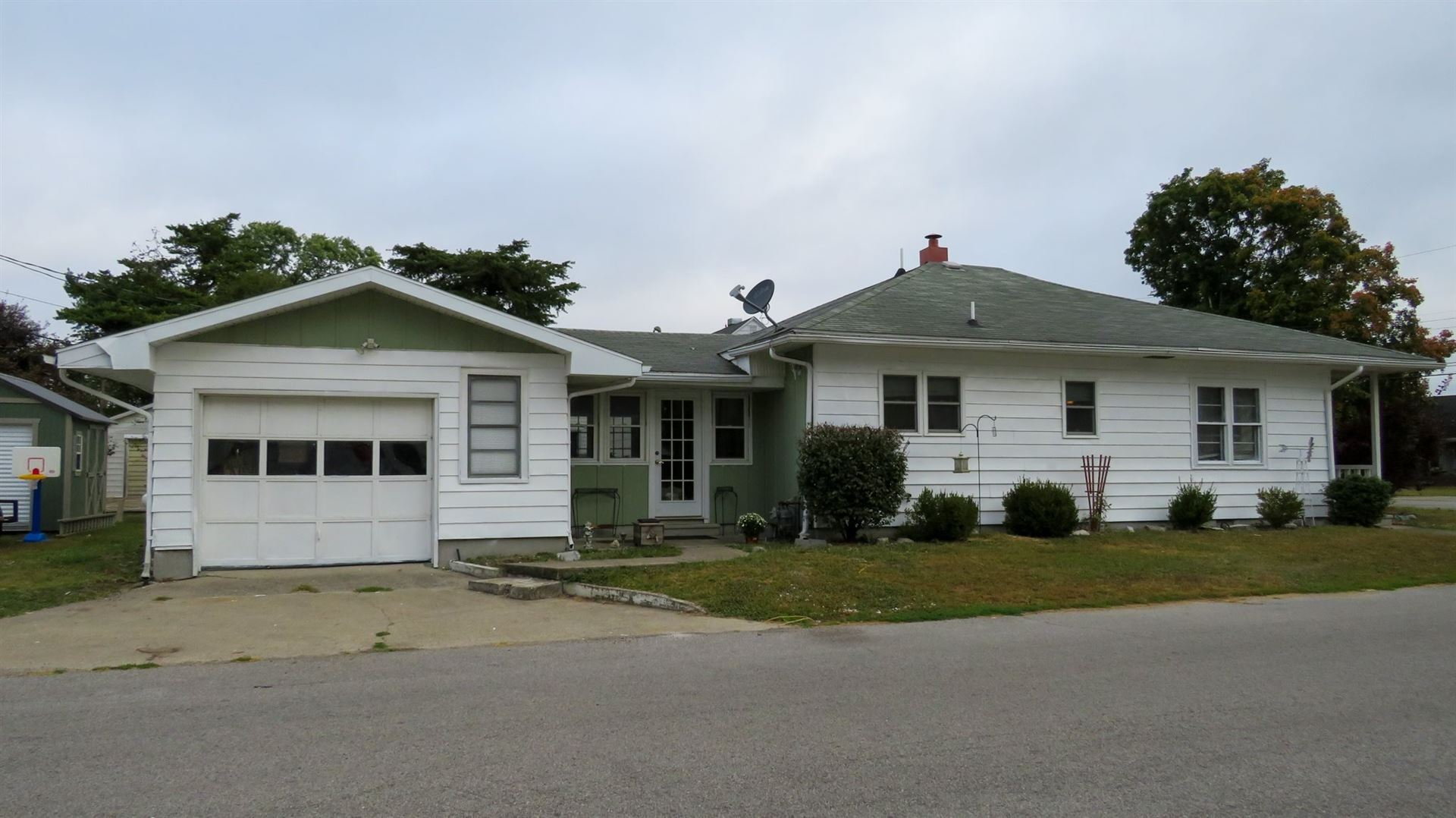 1515 E St. Clair Street, Vincennes, IN 47591 - #: 202039162