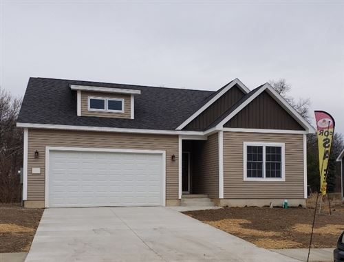 Photo of 2735 Pine Cone Lane, Warsaw, IN 46582 (MLS # 202050165)