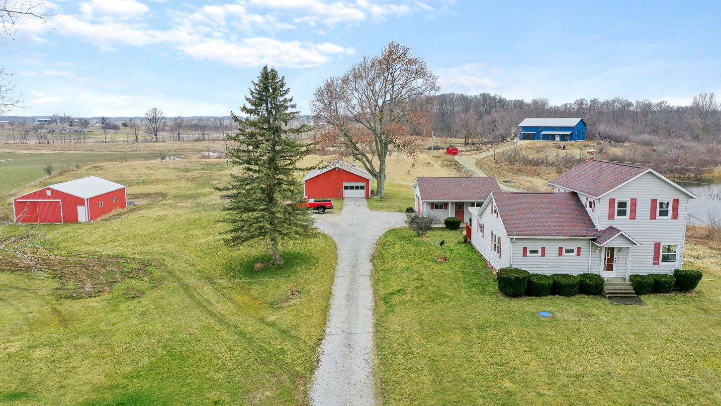 Photo of 4801 S 750 E Road, Pierceton, IN 46562 (MLS # 202010167)