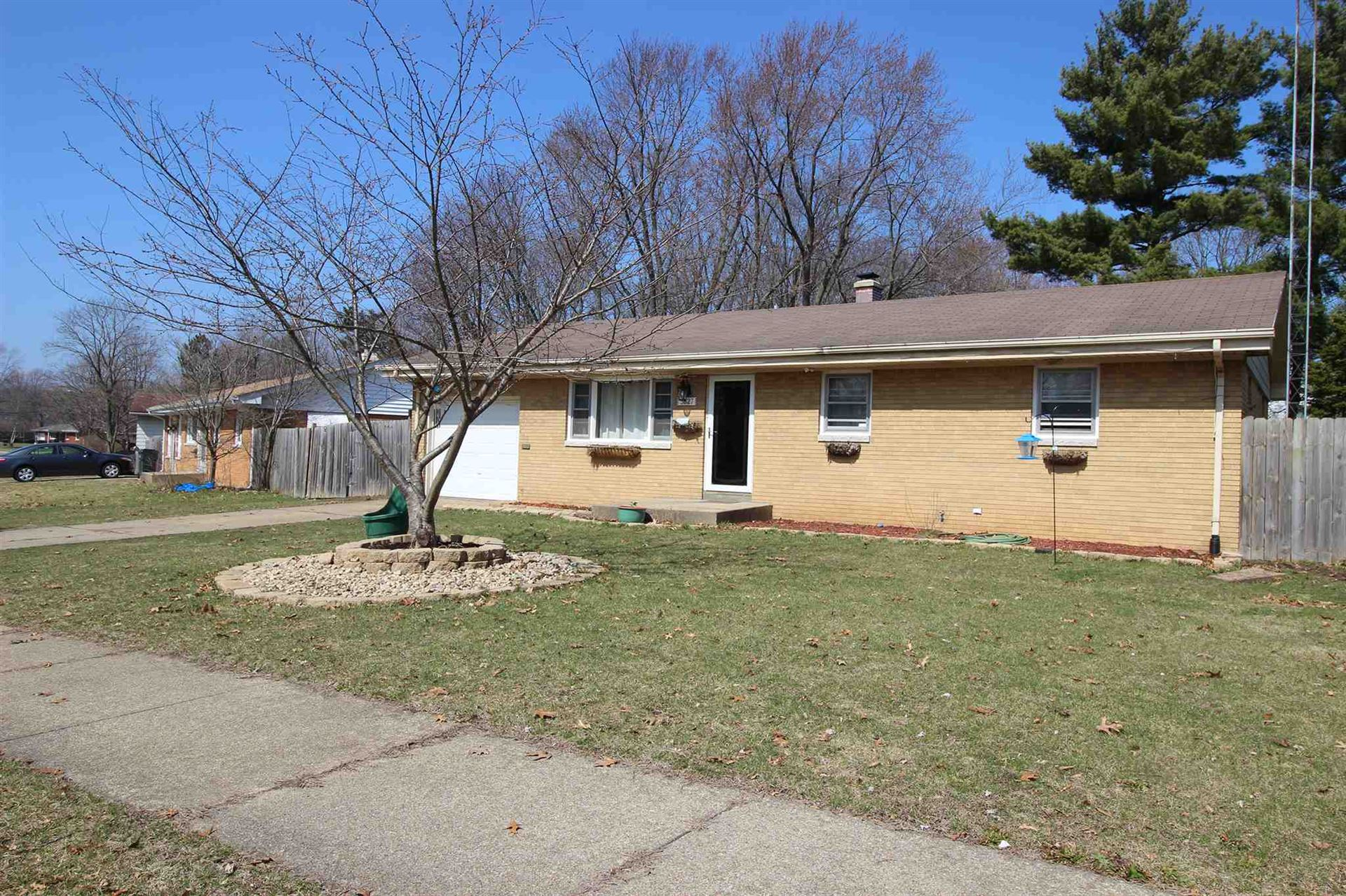 3627 Saint Johns Way, South Bend, IN 46628 - #: 202011169