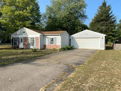 Photo of 1815 Rieder Street, Warsaw, IN 46580 (MLS # 202038170)