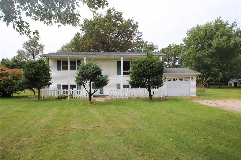 2055 W Country Lane, Knox, IN 46534 - #: 201940180