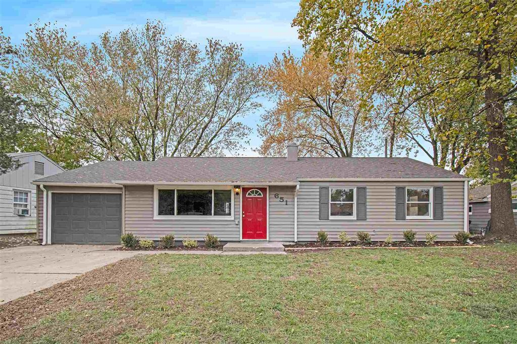 651 Manchester Drive, South Bend, IN 46615 - #: 201948183