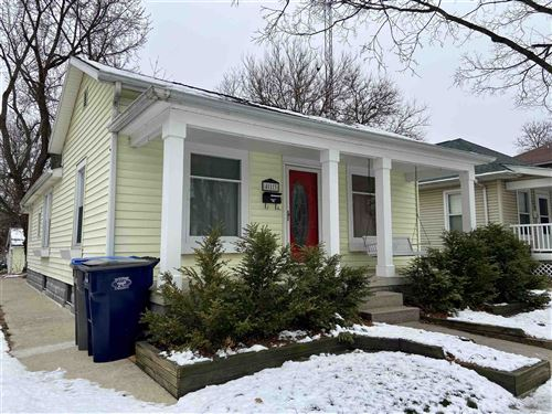 Photo of 413 W Fort Wayne Street, Warsaw, IN 46580 (MLS # 202101185)