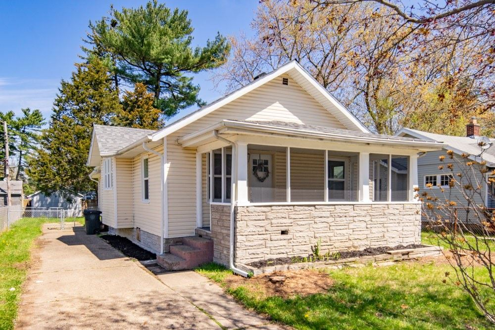 1237 Bissell Street, South Bend, IN 46617 - #: 202015199