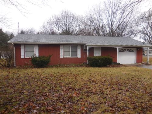 Photo of 1106 Park Road, Rochester, IN 46975 (MLS # 202001201)