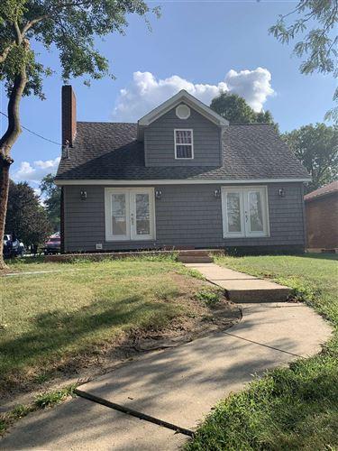 Photo of 8995 E Hatchery Road, Syracuse, IN 46567 (MLS # 202138209)