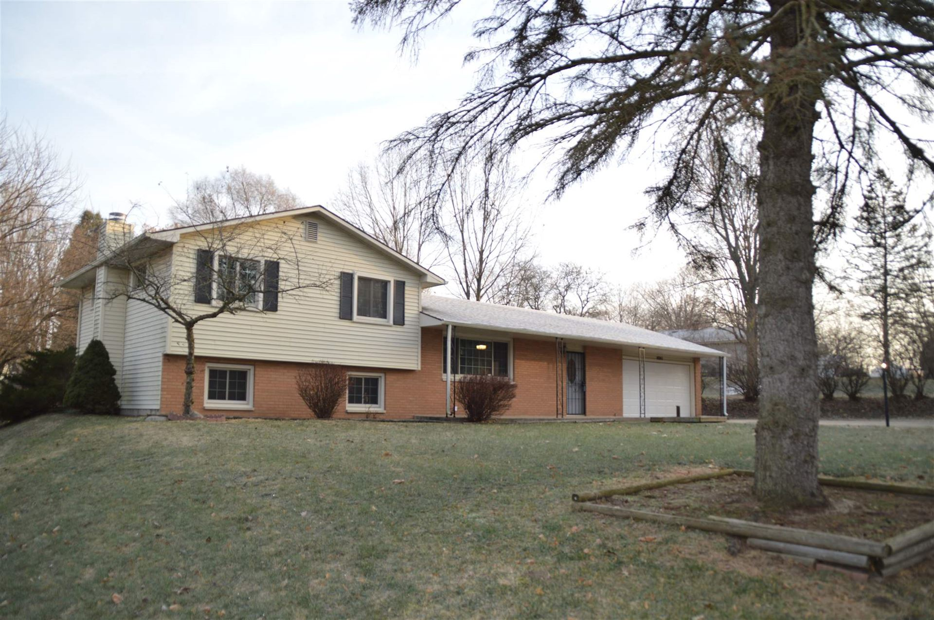 18243 Clairmont Drive, South Bend, IN 46637 - #: 201953210