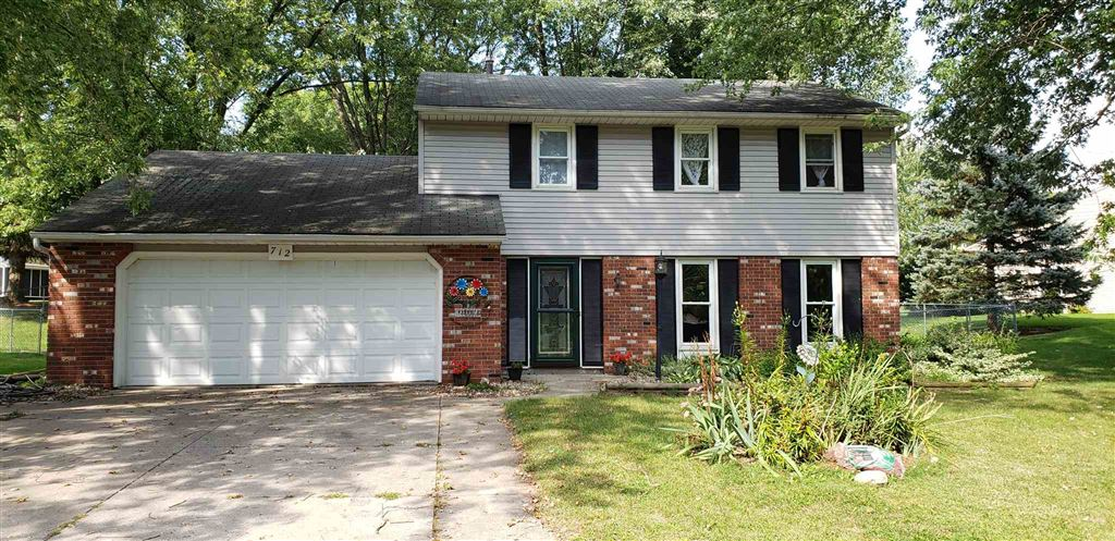 712 E Boydston Mills Drive, North Webster, IN 46555 - #: 201940224