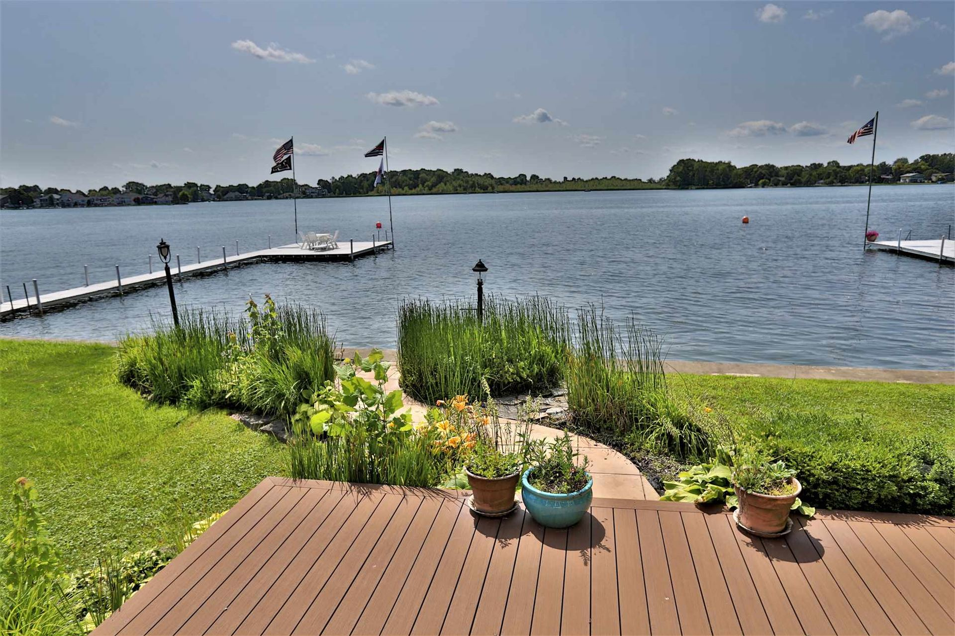 Photo of 8558 E Smith Drive, Syracuse, IN 46567 (MLS # 202008226)