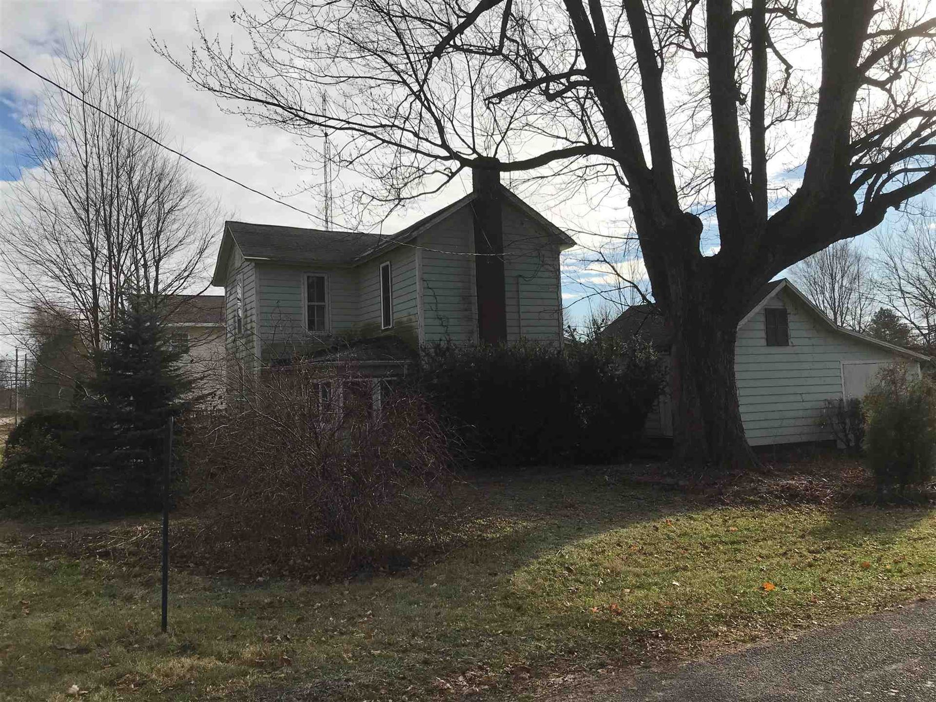 Photo of 201 E Center Street, Pierceton, IN 46562 (MLS # 202000242)