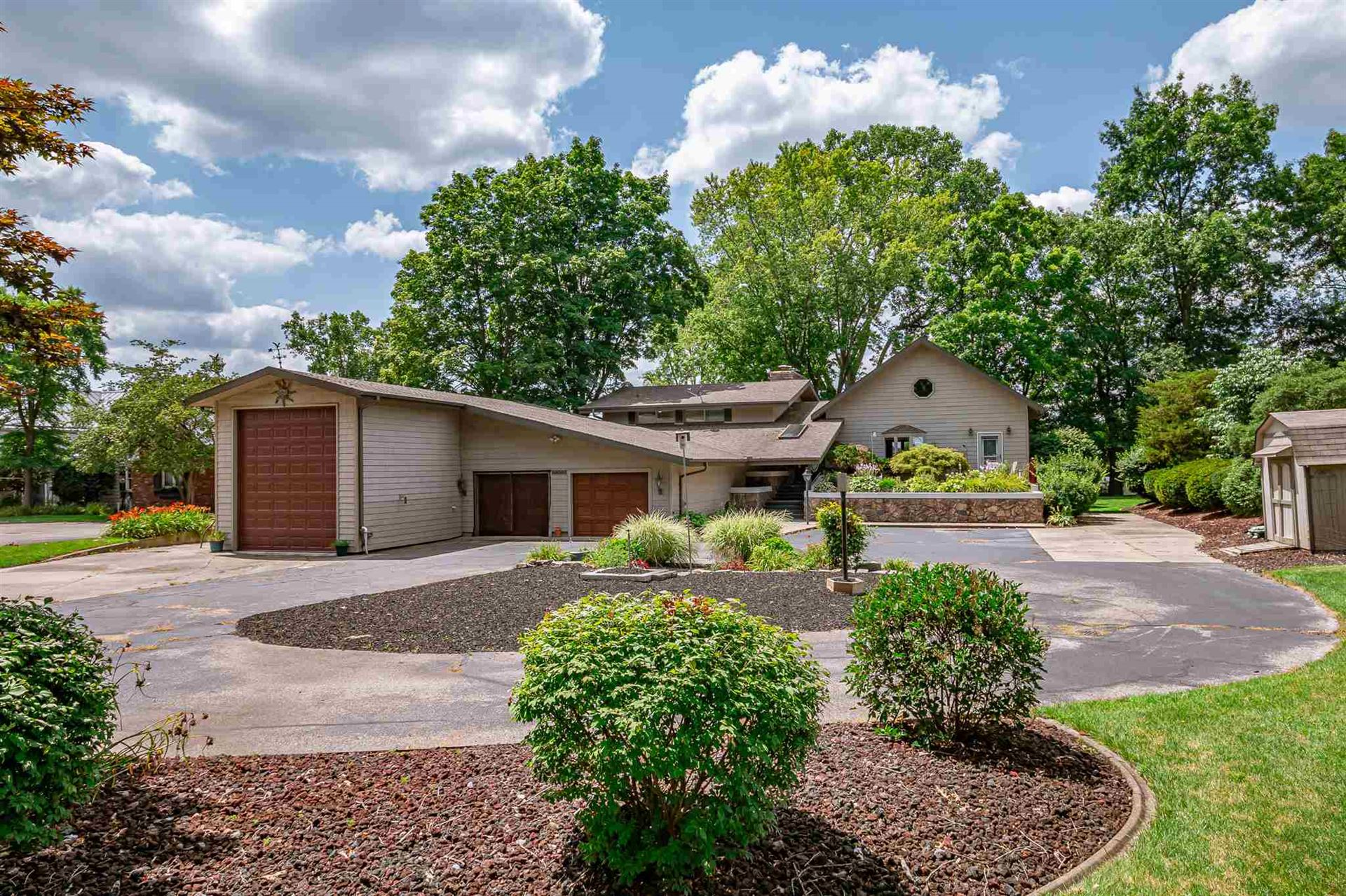 56003 Riverdale Drive, Elkhart, IN 46514 - #: 201933250