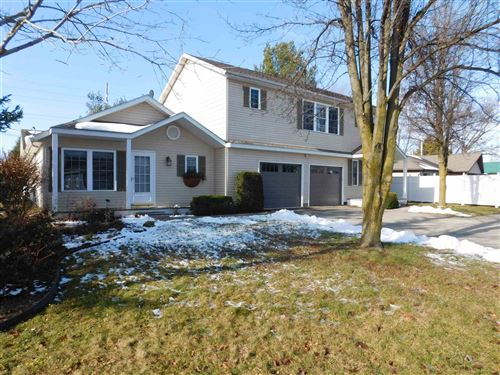 Photo of 1411 S Harkless Drive, Syracuse, IN 46567 (MLS # 202000259)