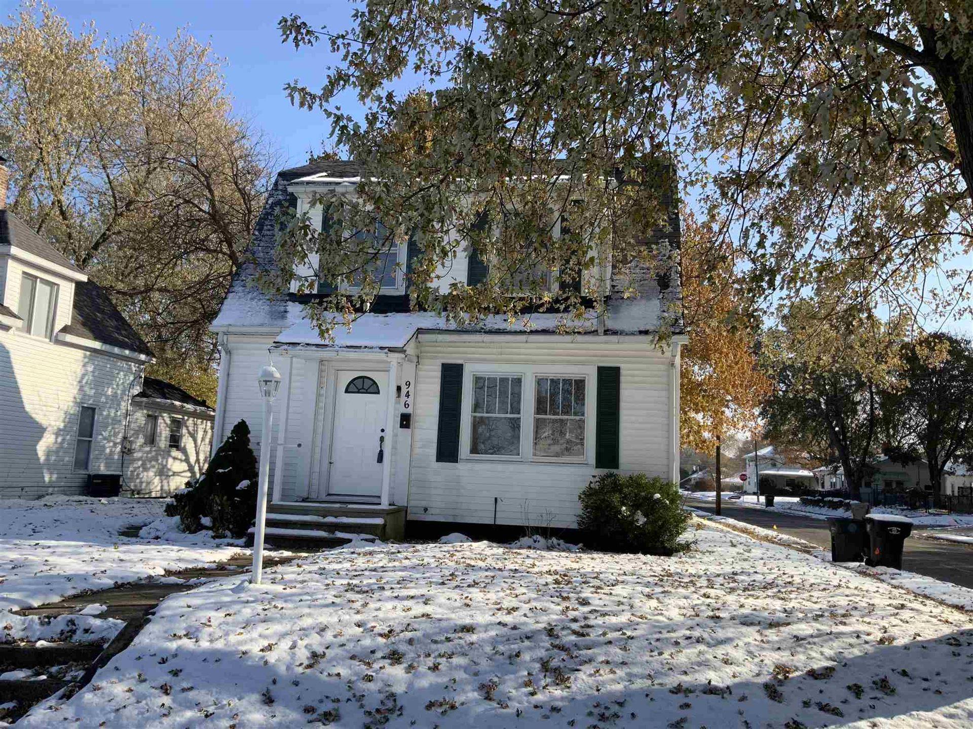 946 S 32nd Street, South Bend, IN 46615 - #: 201950268