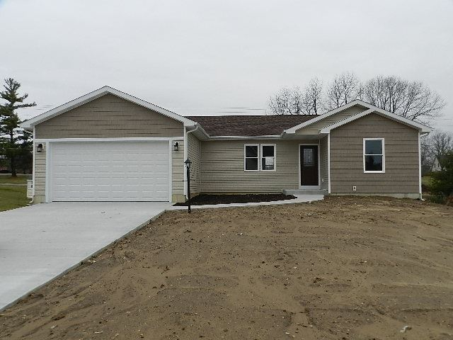 Photo of 1153 Slateview Court, Warsaw, IN 46582 (MLS # 202004272)