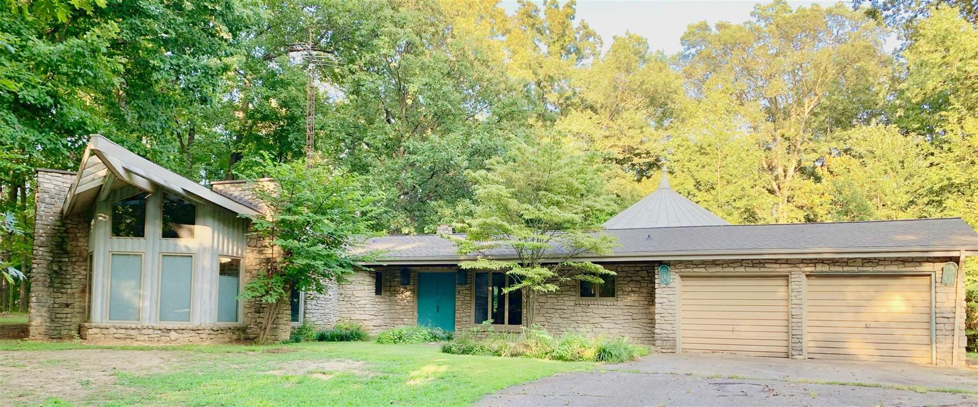 400 W First Street, Huntingburg, IN 47542 - MLS#: 201936277