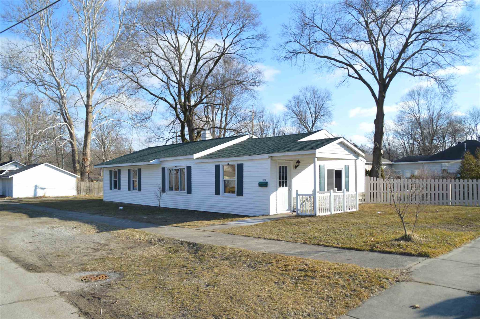 1316 Grand Avenue, Elkhart, IN 46516 - #: 202106285