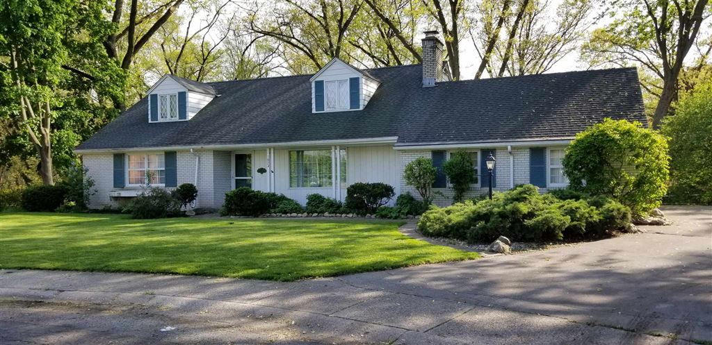 1824 Ridgewood Circle, South Bend, IN 46617 - #: 201948292