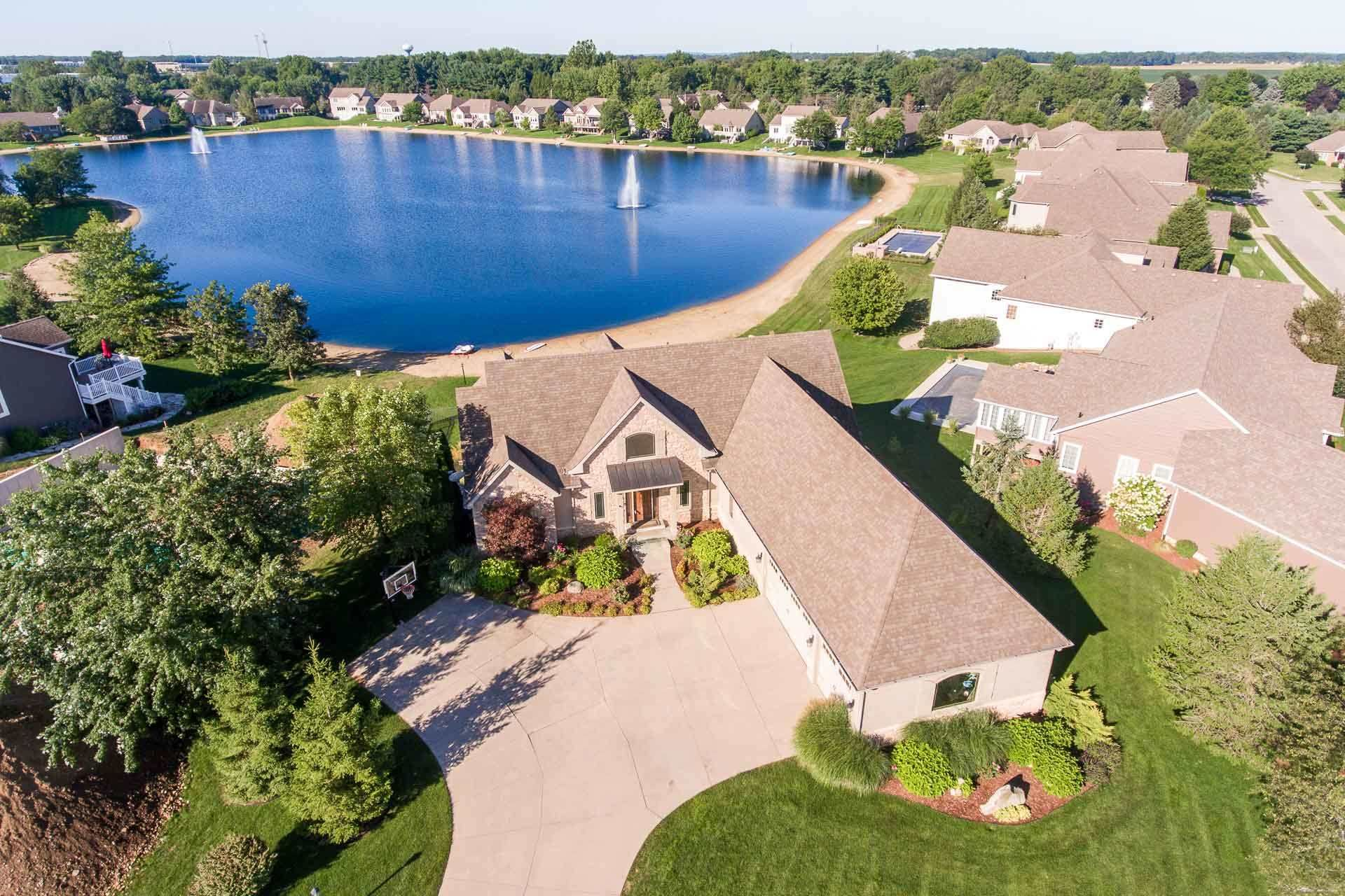 4903 Starboard Drive, South Bend, IN 46628 - #: 202036306