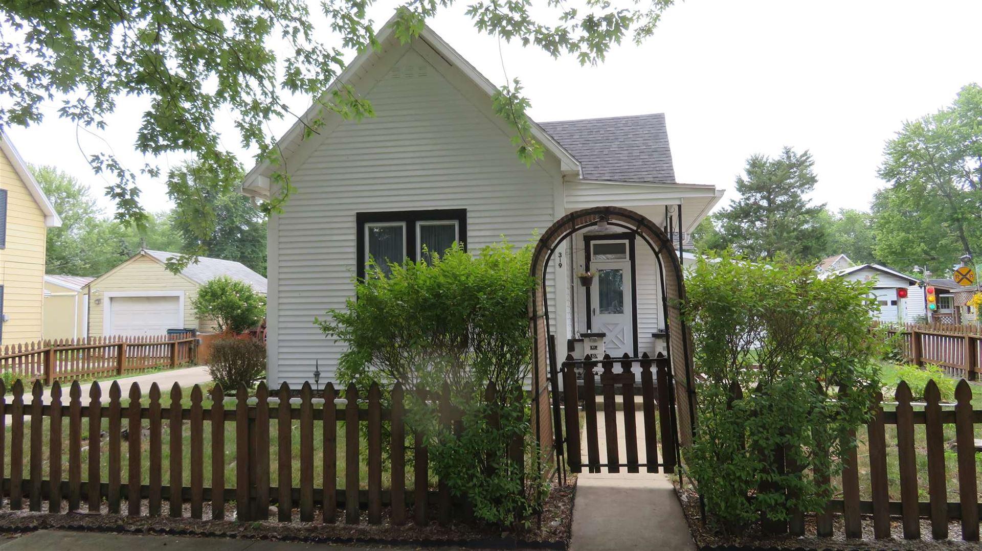 319 E WASHINGTON Street, Galveston, IN 46932 - #: 202034313