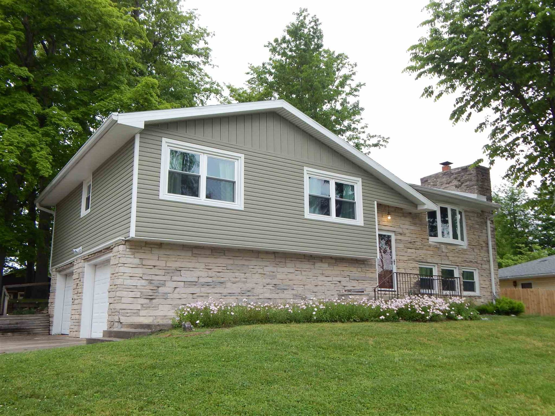 417 FORESTVIEW DR, Bedford, IN 47421 - #: 201939315