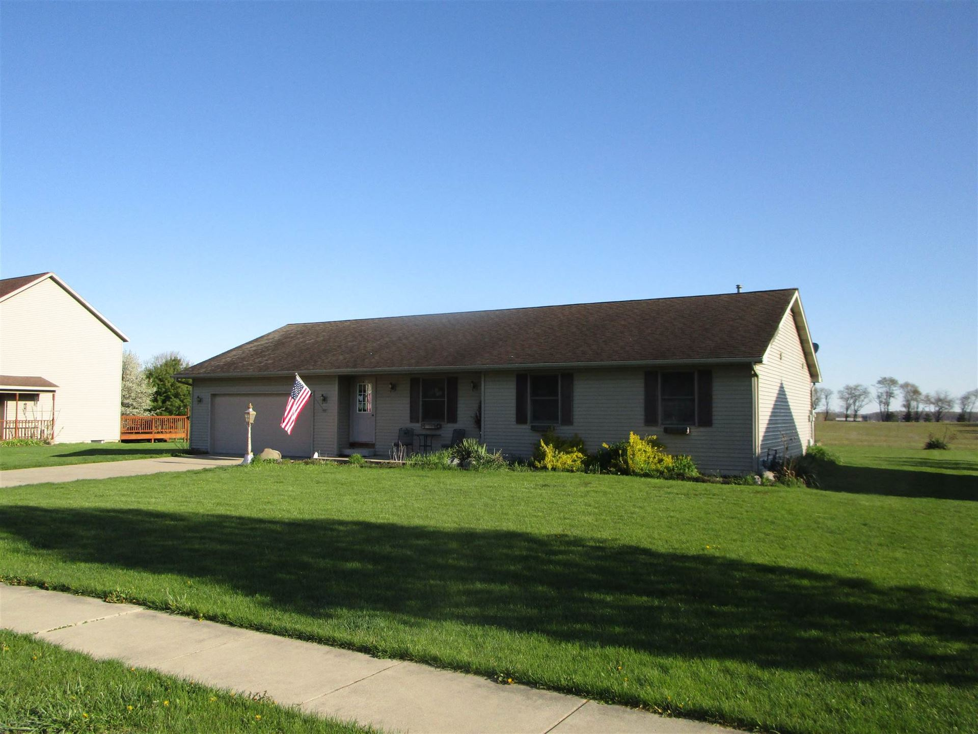 413 E Dunn Road #https:\/\/irmls.parago, New Carlisle, IN 46552 - #: 202015320